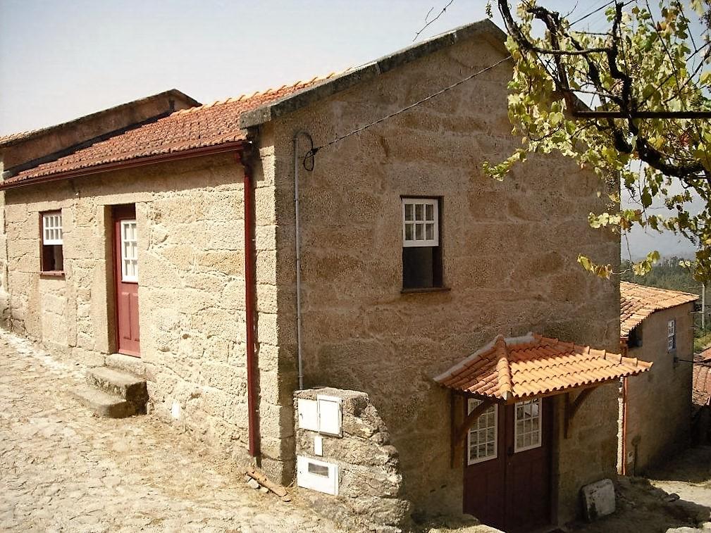 Casa joao alojamento local f rias aldeia rural lindoso - Casa rural lisboa ...